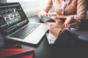 Business-laptop-copywriting